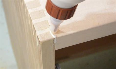Filling gaps in wood joints