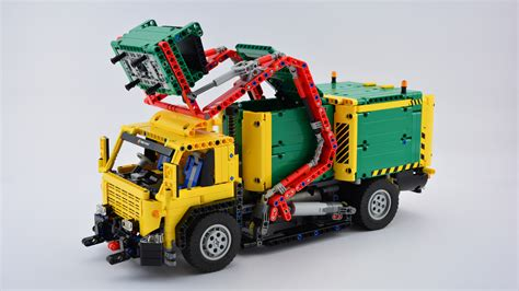 [MOC] Front Loaded Garbage Truck - LEGO Technic and Model