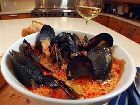 Spicy Mussels with Chorizo and Wine Recipe | Melissa d