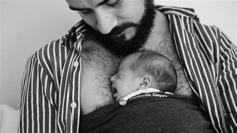 Kangaroo care – why keeping baby close is better for
