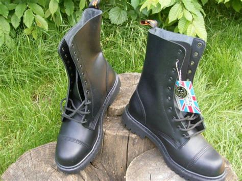 Red rooster Bakancs 10 lyukú - 4 fekete JETfly Military